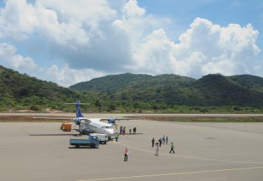 Vietnam Airlines plane taxis in Con Dao island