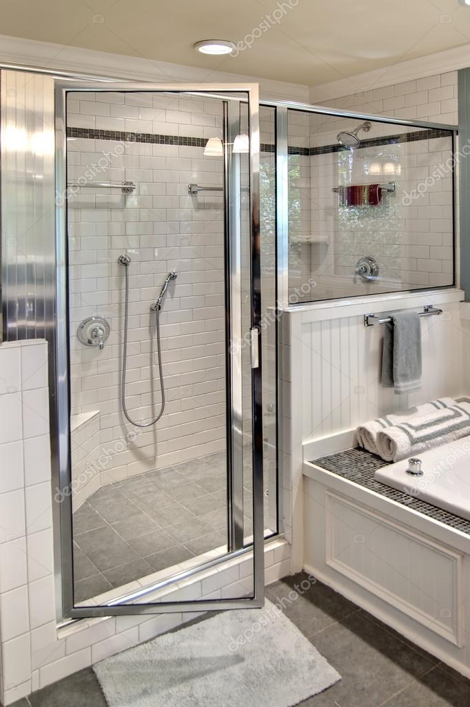 Moderne Dusche Stockfoto C Wollwerth 63081815