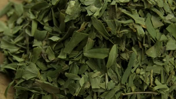 Freeze-dried tarragon