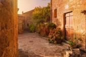 Fotografie Kleine Gasse im toskanischen Dorf