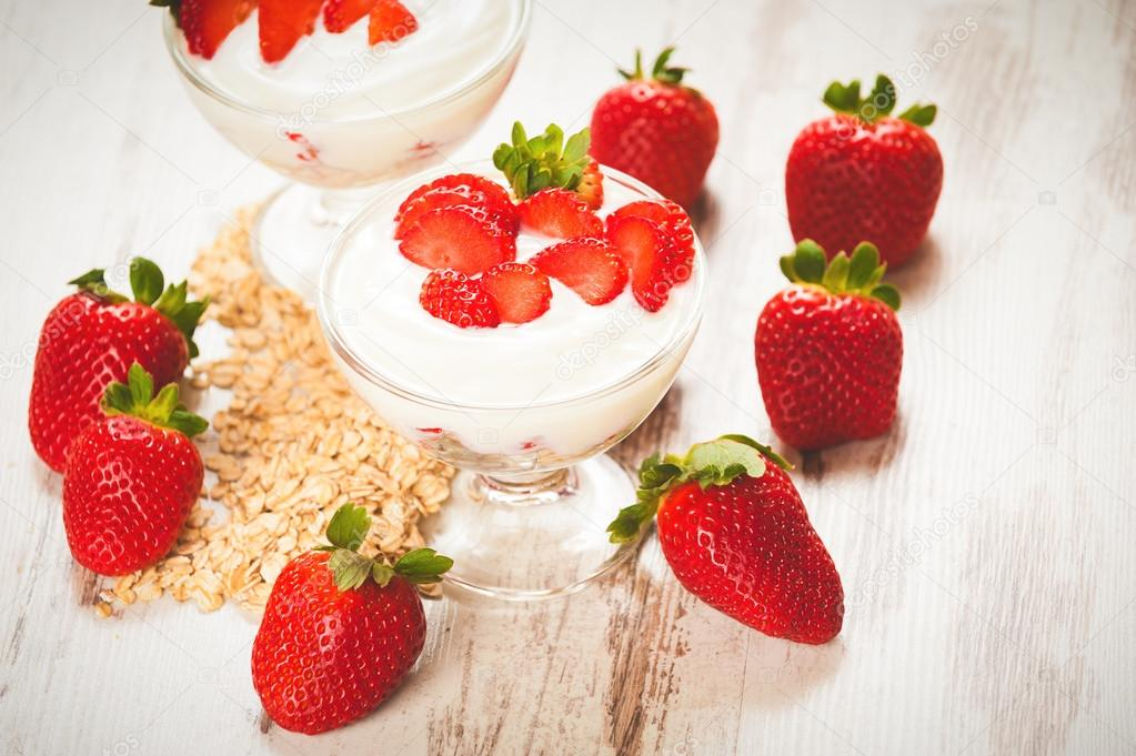 Juicy and healthy strawberries with breakfast cereals for breakf