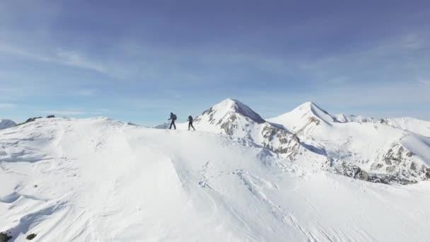 Видео про альпенистов