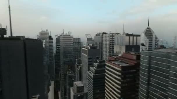 Leteckého let kolem 3d City Skyline podnikání pozadí bezešvá smyčka Hd