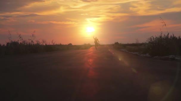 Muž v obleku obchodní silniční běh slunce cestu objektivu odlesk Hd
