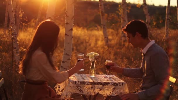 Proposta di matrimonio nel tramonto