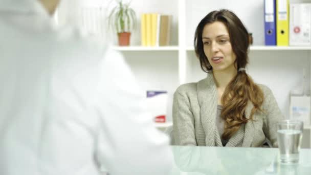 Девушки медики видео фото 28-945