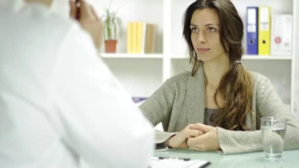 Pacient sleduje lékaři na předpis