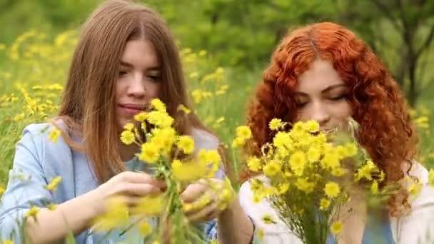 Best friends make wreaths of flowers.