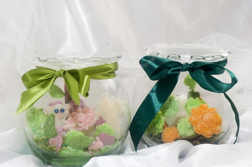 flores de jabón de composición en casa de perfumes — Foto de stock ...