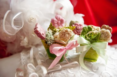 weddings fawors whit soap flower