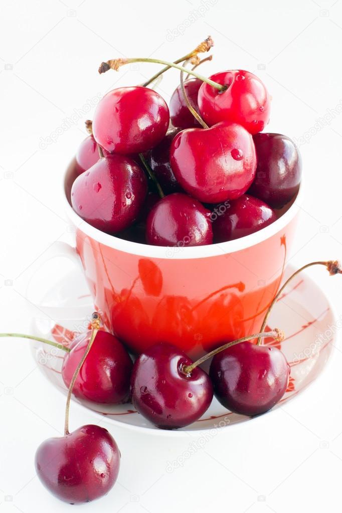 Fresh cherries in a cup — Stock Photo © marishu #61115807