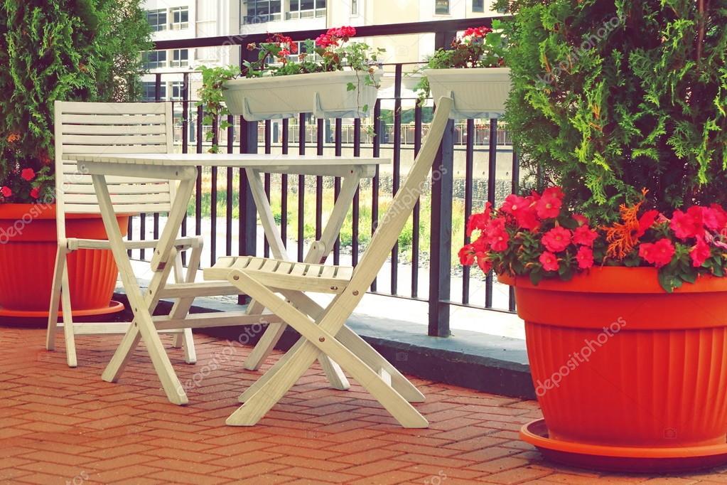 Muebles de balcon fabulous izajes subida de muebles por - Eroski sillas terraza ...