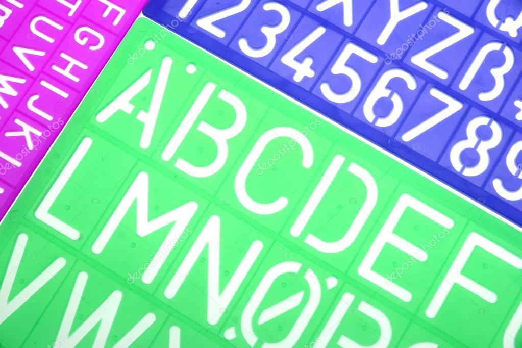 Aus Dem Englischen Alphabet Plastik Schablonen Alphabet Stockfoto