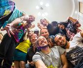 Fotografie Merry Company auf einer Hausparty
