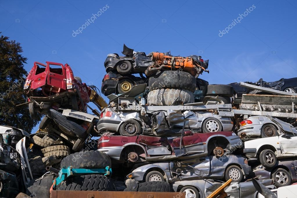 Scrap yard for obsolete motor cars — Stock Photo © belahoche #73634257