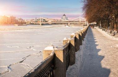 Crimean bridge as a cradle for the temple