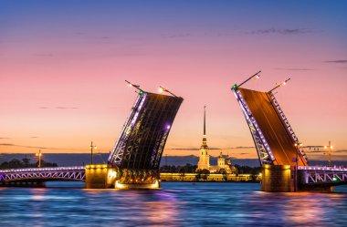 Bridges are separated in Saint-Petersburg
