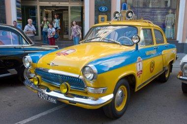 Soviet police retro car Volga GAZ-21 retro rally Gorkyclassic about Gum, Moscow, rear view
