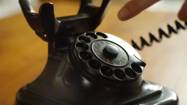 Vytáčení s retro číselníkem - zahrnuje audio telefon