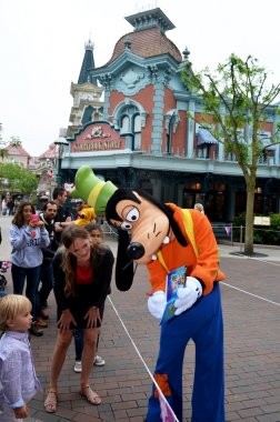 Goofy at Euro Disney