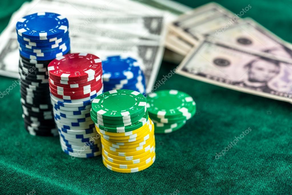 деньги и фишки казино