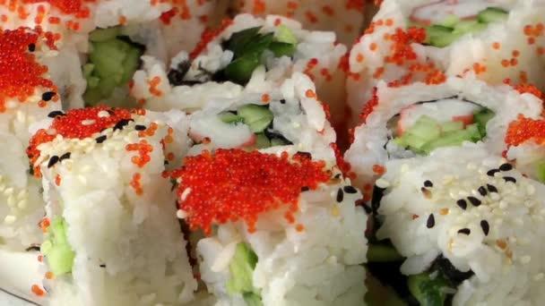 tradiční japonské jídlo sushi