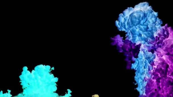 Színes festék festék csepp csobbanás víz alatt a medence