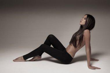 Young woman wearing leggings