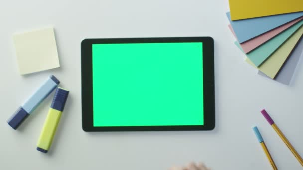 Použití tabletu s zelenou obrazovkou v tabulce návrháře