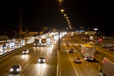 Traffic on the 401 highway at night