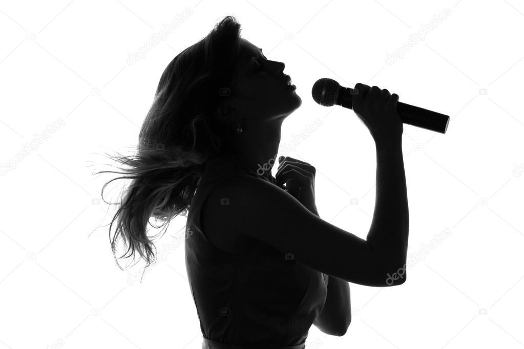 Imagen De Una Silueta De Una Mujer Para Colorear: Silueta De Una Mujer Cantando Con Un Micrófono
