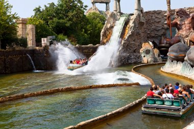 Water attraction