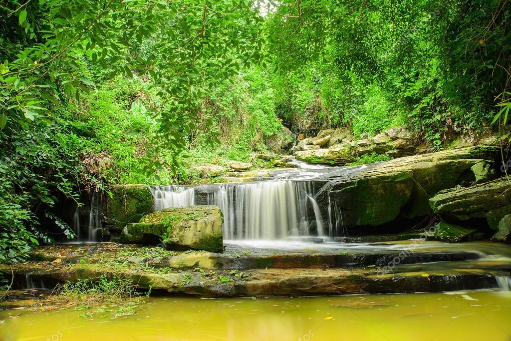 Paisitong Wasserfall Goldener Bambus Wasserfall In Phitsanulok