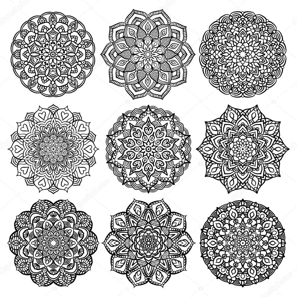 Conjunto negro Mandalas — Vector de stock © amovitania #109248032
