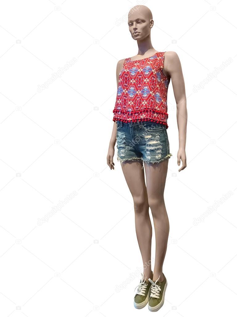 c2b3e4a8b5a5e9 Mannequin femme habillé en short et top — Photographie modustollens ...