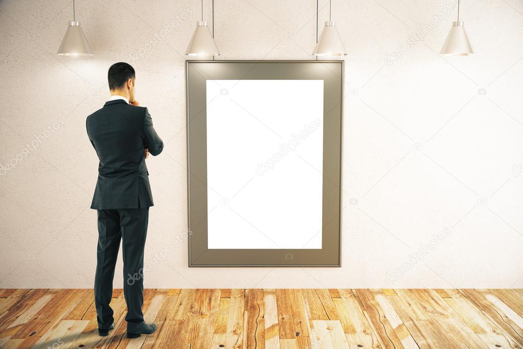 Hombre mirando en el marco — Foto de stock © peshkov #113883320