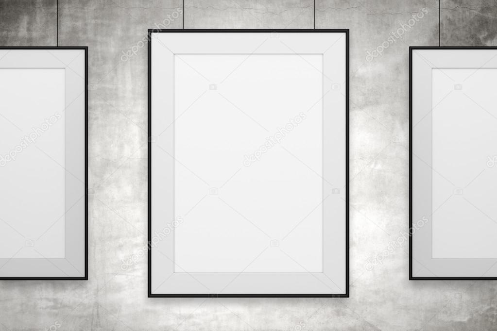 Colgando cuadros en blanco — Foto de stock © peshkov #63881735