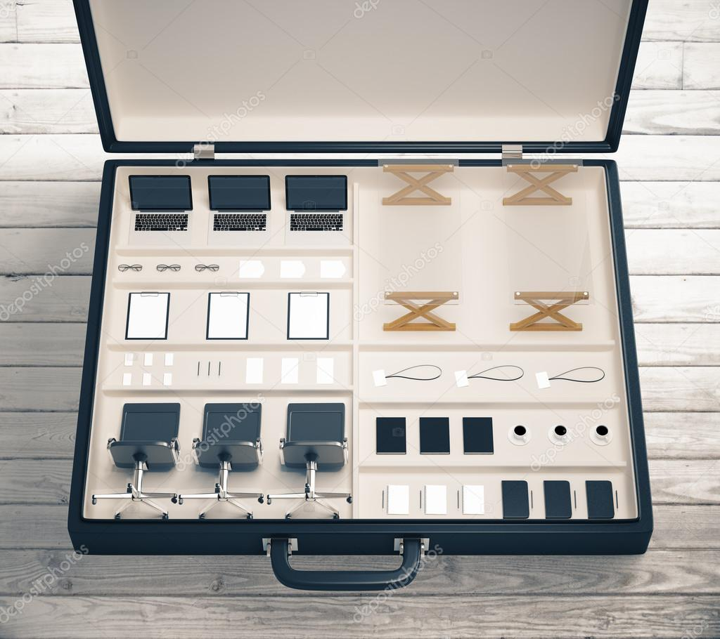 Mobiles Büro-Werkzeugkoffer mit Büromöbel auf Holztisch — Stockfoto ...