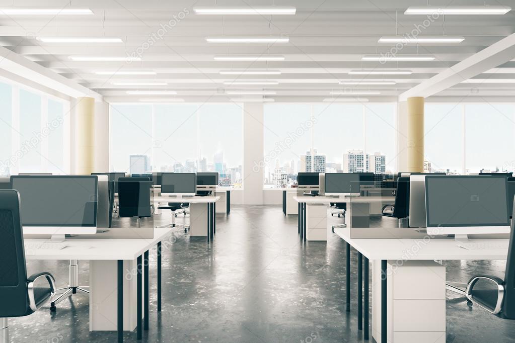 ouvrir l 39 espace bureau dans le hangar de style loft avec fen tres l 39 tage et photographie. Black Bedroom Furniture Sets. Home Design Ideas
