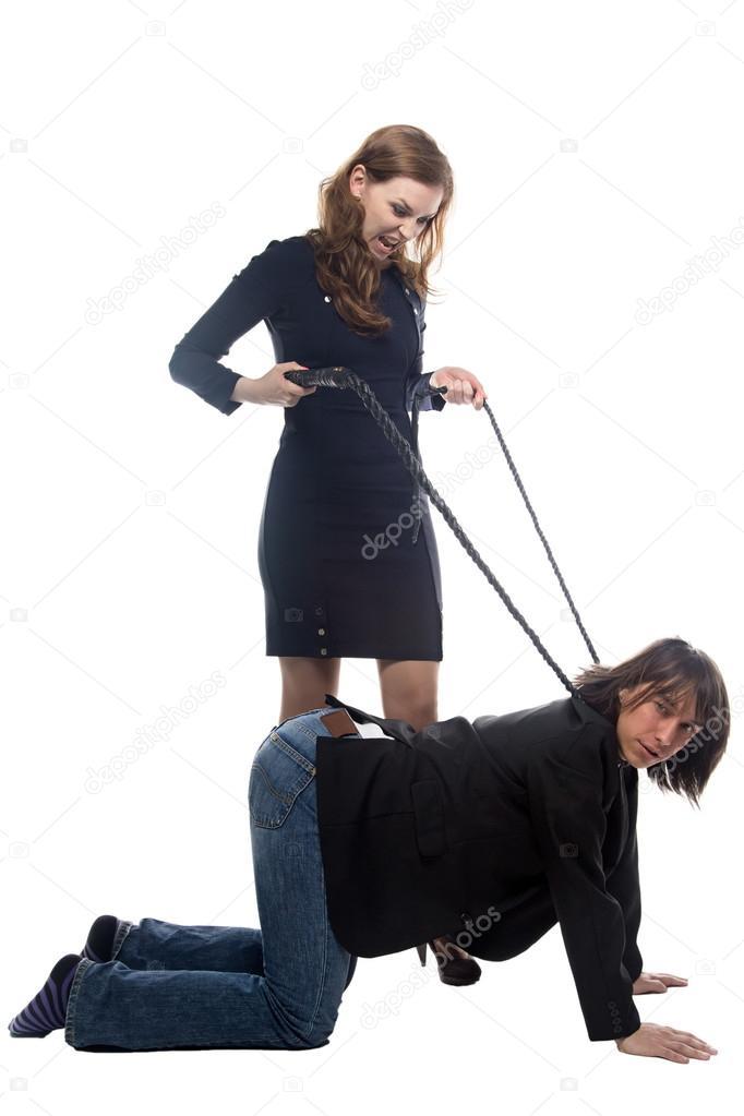 Девушка лупит парня плетью, стали видны трусики