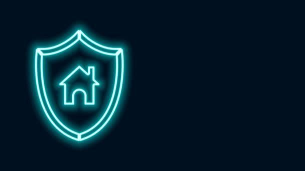 Ragyogó neon vonal Ház pajzs ikon elszigetelt fekete háttér. Biztosítási koncepció. Biztonság, biztonság, védelem, védelem. 4K Videó mozgás grafikus animáció