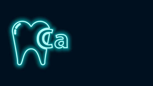 Leuchtende Neon-Linie Calcium für Zahn-Symbol isoliert auf schwarzem Hintergrund. Zahnsymbol für Zahnklinik oder Zahnarztpraxis. 4K Video Motion Grafik Animation