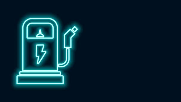 Leuchtende Neon-Line-Elektroauto-Ladestation auf schwarzem Hintergrund. Öko-Zeichen für elektrische Kraftstoffpumpe. 4K Video Motion Grafik Animation