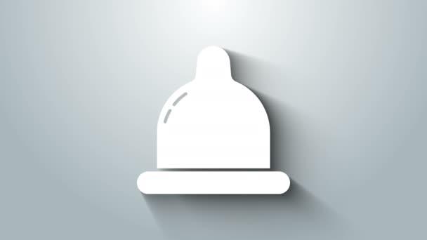 Weißes Kondom-Symbol isoliert auf grauem Hintergrund. Sicheres Liebessymbol. Verhütungsmethode für Männer. 4K Video Motion Grafik Animation