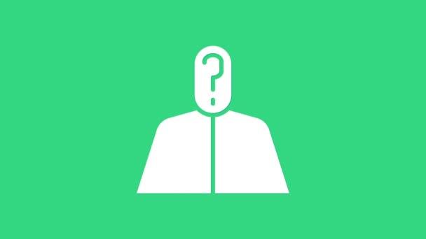 Fehér névtelen férfi kérdőjellel, zöld háttérrel elszigetelve. Ismeretlen felhasználó, inkognitó profil, üzleti titok, homály. 4K Videó mozgás grafikus animáció