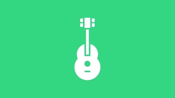 Ikona Bílá kytara izolovaná na zeleném pozadí. Akustická kytara. Strunový hudební nástroj. Grafická animace pohybu videa 4K