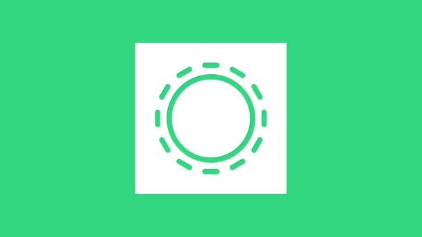 Weißes Kondom in verpackungssicherem Sexsymbol isoliert auf grünem Hintergrund. Sicheres Liebessymbol. Verhütungsmethode für Männer. 4K Video Motion Grafik Animation