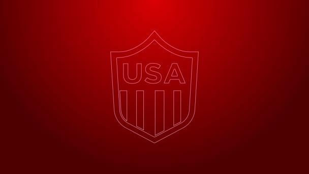 Zöld vonal Pajzs csillagok és csíkok ikon elszigetelt piros háttér. Amerikai Egyesült Államok country flag. Július 4. Amerikai Függetlenség Napja. 4K Videó mozgás grafikus animáció