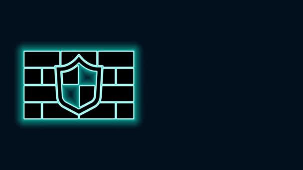 Ragyogó neon vonal pajzs kiberbiztonsági tégla fal ikon elszigetelt fekete alapon. Adatvédelmi szimbólum. Tűzfal. Hálózatvédelem. 4K Videó mozgás grafikus animáció