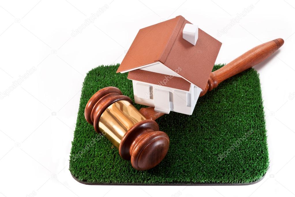 Verkoop van grond met een huis u stockfoto taurus